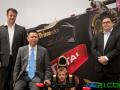 莲花F1车队车手参加InterSolar光伏展模拟驾驶和颁奖典礼