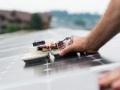 瑞士大学开发出屋顶型光伏系统的清洁机器人