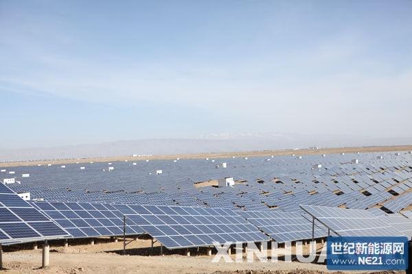 毗邻龙羊峡水光互补光伏电站,是目前国内大型光伏电站之一,建设面积约