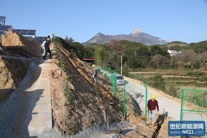 安徽岳西:全县最大村级集体光伏电站并网发电