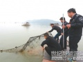 打击非法捕捞 保护自然生态