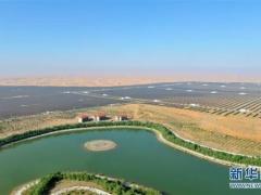 宁夏中卫沙漠光伏产业园景象壮观