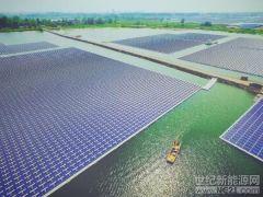 三峡淮南水面漂浮式光伏电站 打造水面光伏技术创新新样本