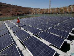 """智利:世界首个太阳能发电""""岛屿""""落成 含256块光伏电池板"""