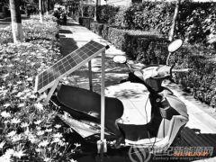 昆明街头出现自制太阳能电动车 擅自改装是一种违法行为